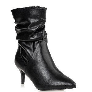 POINTY BOOTIES